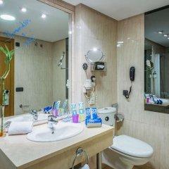 Отель TRYP Jerez Hotel Испания, Херес-де-ла-Фронтера - отзывы, цены и фото номеров - забронировать отель TRYP Jerez Hotel онлайн ванная фото 2