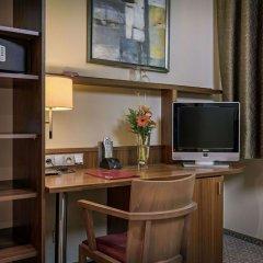 Отель SILENZIO Прага сейф в номере