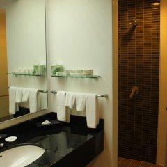 Отель Bayview Beach Resort Малайзия, Пенанг - 6 отзывов об отеле, цены и фото номеров - забронировать отель Bayview Beach Resort онлайн ванная