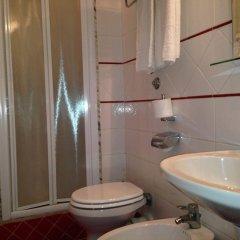 Hotel Fenicia ванная