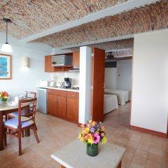 Отель Las Flores Beach Resort в номере
