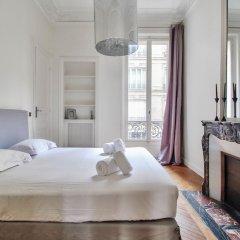 Отель Guest Trotter - Saint Philippe du Roule Франция, Париж - отзывы, цены и фото номеров - забронировать отель Guest Trotter - Saint Philippe du Roule онлайн комната для гостей