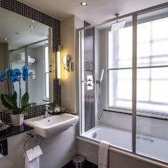 Отель Wellington Hotel by Blue Orchid Великобритания, Лондон - 1 отзыв об отеле, цены и фото номеров - забронировать отель Wellington Hotel by Blue Orchid онлайн ванная