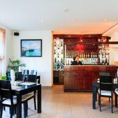 Paragon Villa Hotel гостиничный бар