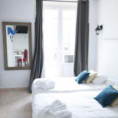 Отель Hostal Vazquez De Mella Мадрид фото 4