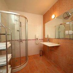 Отель City Pleven Болгария, Плевен - отзывы, цены и фото номеров - забронировать отель City Pleven онлайн ванная