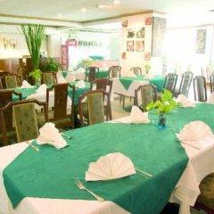 Отель Golden Beach Resort гостиничный бар