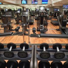 Отель Rome Cavalieri, A Waldorf Astoria Resort фитнесс-зал фото 3