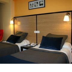 Отель Hostal Mara Испания, Ла-Корунья - отзывы, цены и фото номеров - забронировать отель Hostal Mara онлайн комната для гостей фото 4