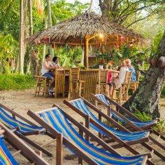 Отель Baan Mai Cottages & Restaurant бассейн фото 2
