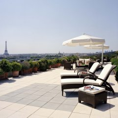 Отель Le Meurice Dorchester Collection Париж бассейн фото 2