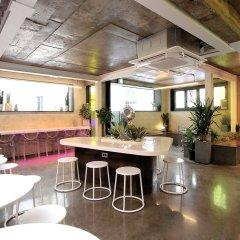 ORBIT Cafe & Guesthouse - Hostel гостиничный бар