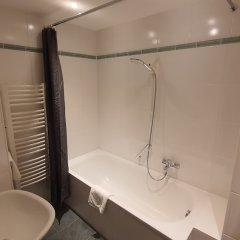 Отель Der Tannenbaum Германия, Мюнхен - отзывы, цены и фото номеров - забронировать отель Der Tannenbaum онлайн ванная фото 2