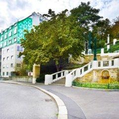 Отель STRUDLHOF Вена парковка