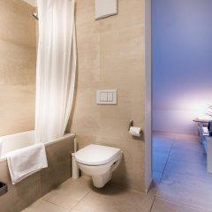Отель Zürich Niederdorf - Grossmünster Швейцария, Цюрих - отзывы, цены и фото номеров - забронировать отель Zürich Niederdorf - Grossmünster онлайн ванная фото 2