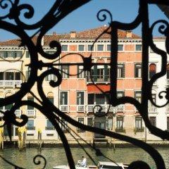 Отель Palazzo Giovanelli e Gran Canal Италия, Венеция - отзывы, цены и фото номеров - забронировать отель Palazzo Giovanelli e Gran Canal онлайн балкон