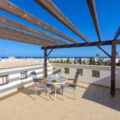 Отель Constantine Villa Кипр, Протарас - отзывы, цены и фото номеров - забронировать отель Constantine Villa онлайн балкон
