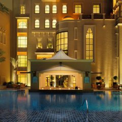 Отель Sheraton Sharjah Beach Resort & Spa бассейн