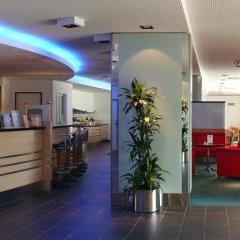 Отель Holiday Inn Express Geneva Airport интерьер отеля фото 2