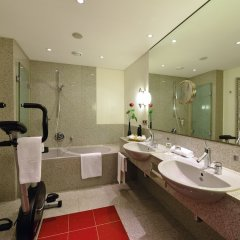 Отель Best Western Premier Parkhotel Kronsberg фитнесс-зал фото 2