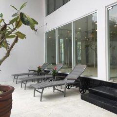 Отель Glenwood Suites бассейн