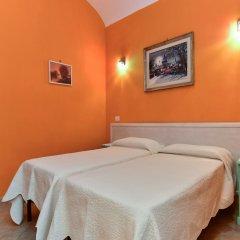 Отель Claudia Suites комната для гостей