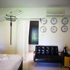 Отель Saphli Villa Beach Resort сейф в номере