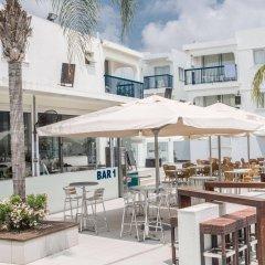 Отель Tsokkos Holiday Hotel Apartments Кипр, Айя-Напа - 1 отзыв об отеле, цены и фото номеров - забронировать отель Tsokkos Holiday Hotel Apartments онлайн бассейн