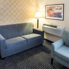 Отель Quality Inn & Suites Mall Of America - Msp Airport Блумингтон комната для гостей фото 3