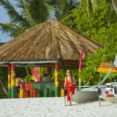 Отель Holiday Island Resort & Spa бассейн фото 2