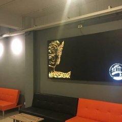Qing lian Youth Hostel&Cafe интерьер отеля фото 2