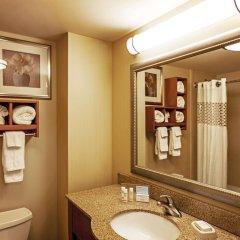 Отель Hampton Inn New York - LaGuardia Airport США, Нью-Йорк - отзывы, цены и фото номеров - забронировать отель Hampton Inn New York - LaGuardia Airport онлайн ванная фото 2