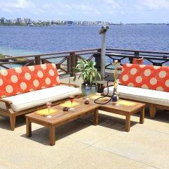 Отель Hulhule Island Hotel Мальдивы, Атолл Каафу - отзывы, цены и фото номеров - забронировать отель Hulhule Island Hotel онлайн балкон