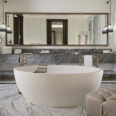Гостиница The St. Regis Astana Казахстан, Нур-Султан - 1 отзыв об отеле, цены и фото номеров - забронировать гостиницу The St. Regis Astana онлайн ванная фото 2