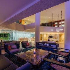Отель Renaissance Aruba Resort & Casino гостиничный бар