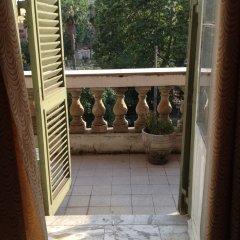 Отель Evans Guesthouse балкон