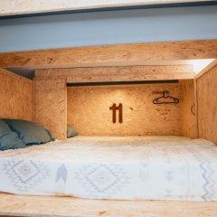 Отель Deck Lodge сейф в номере