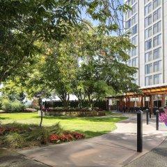 Отель Pacific Gateway Hotel Канада, Ричмонд - отзывы, цены и фото номеров - забронировать отель Pacific Gateway Hotel онлайн парковка