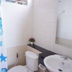 Ananas Phuket Hostel ванная