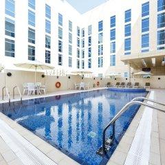Отель Premier Inn Doha Education City бассейн фото 2