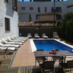 Отель Apartamentos AR Family Caribe Испания, Льорет-де-Мар - отзывы, цены и фото номеров - забронировать отель Apartamentos AR Family Caribe онлайн бассейн фото 3