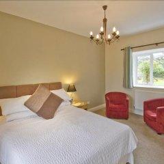 Отель The May Garland Inn комната для гостей фото 4