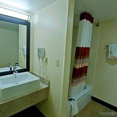 Отель Red Roof Inn PLUS+ Miami Airport ванная