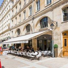 Отель Luxury 2 Bedroom With AC - Louvre & Champs Elysees Париж фото 3
