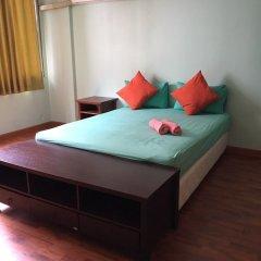 Отель Pin Guest House Бангкок комната для гостей фото 5