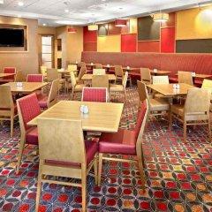 Отель Residence Inn by Marriott Vancouver Downtown Канада, Ванкувер - отзывы, цены и фото номеров - забронировать отель Residence Inn by Marriott Vancouver Downtown онлайн интерьер отеля фото 2