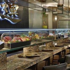 Hilton Riyadh Hotel & Residences питание фото 2