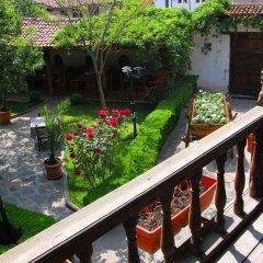Отель Chakarova Guest House Болгария, Сливен - отзывы, цены и фото номеров - забронировать отель Chakarova Guest House онлайн балкон