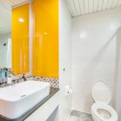 Отель Bangkok Cha-Da Hotel Таиланд, Бангкок - отзывы, цены и фото номеров - забронировать отель Bangkok Cha-Da Hotel онлайн ванная фото 2
