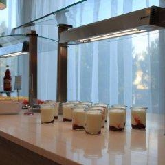 Отель JS Alcudi Mar гостиничный бар